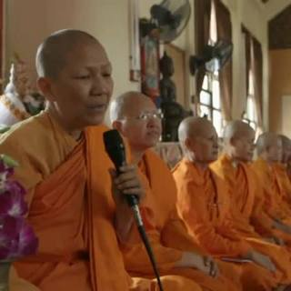 Secret-Tribes-Bhikkhunis